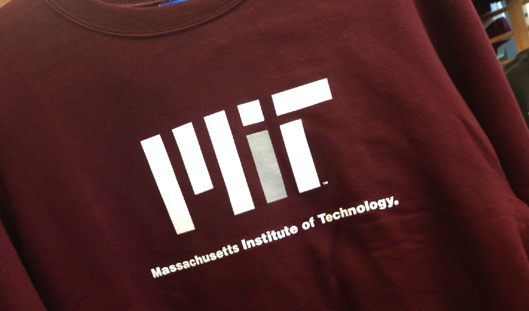 Sweatshirt with the MIT logo